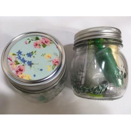 Costurero en bote de cristal, verde con flores